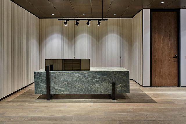 Smeraldo Polished Counter.jpg